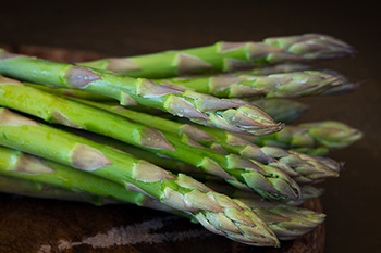 Asparagus is naturally cholesterol free and low in calories and fat. It is an excellent source of vitamin K and folate, and a good source of vitamin A, vitamin C, riboflavin, and thiamin.